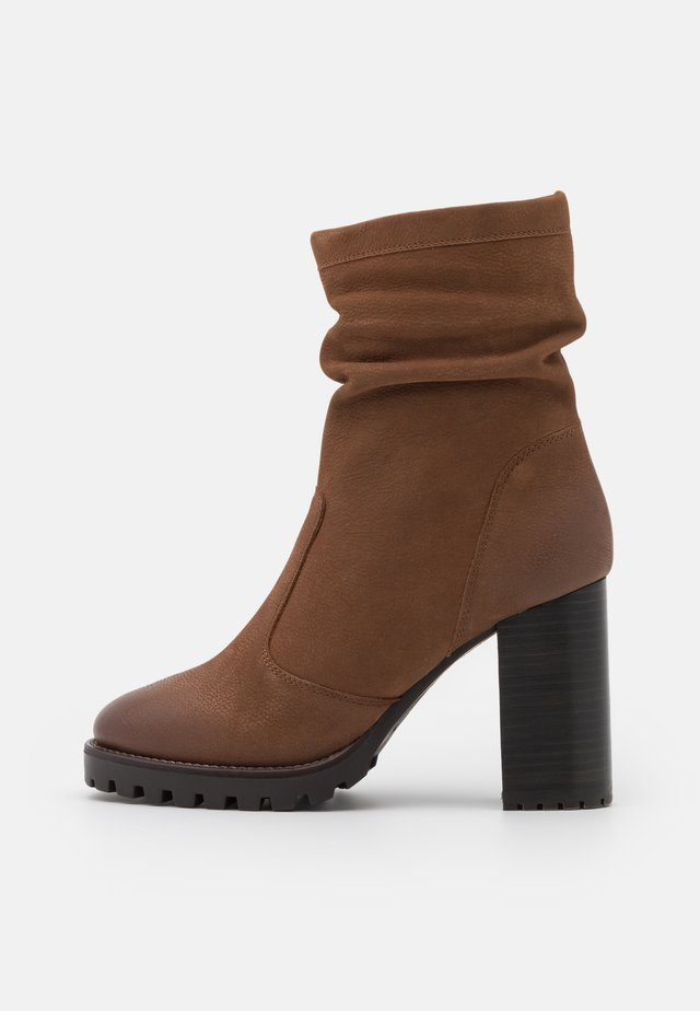 ELVIRA - High heeled ankle boots - cognac