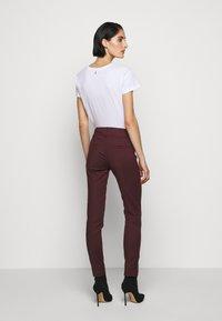 Patrizia Pepe - Spodnie materiałowe - violet swan - 2