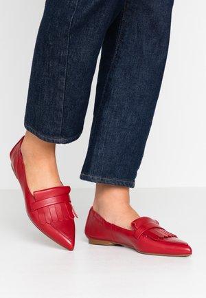SHAUNA - Nazouvací boty - lipstick