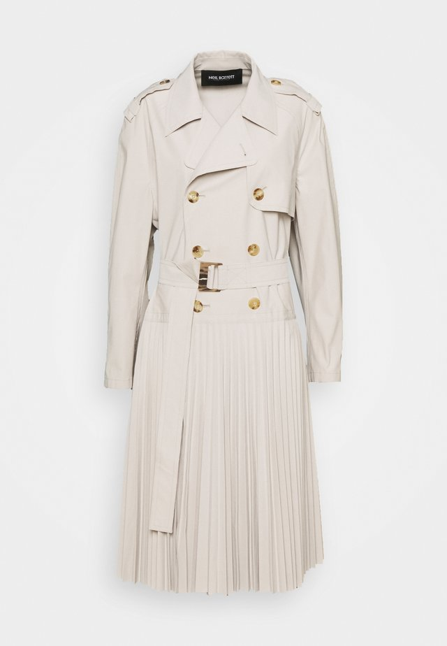 HYBRID COAT WITH SOLEIL PLEATED SKIRT - Trench - safari