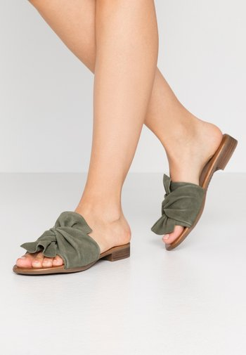 LEATHER - Mules - green