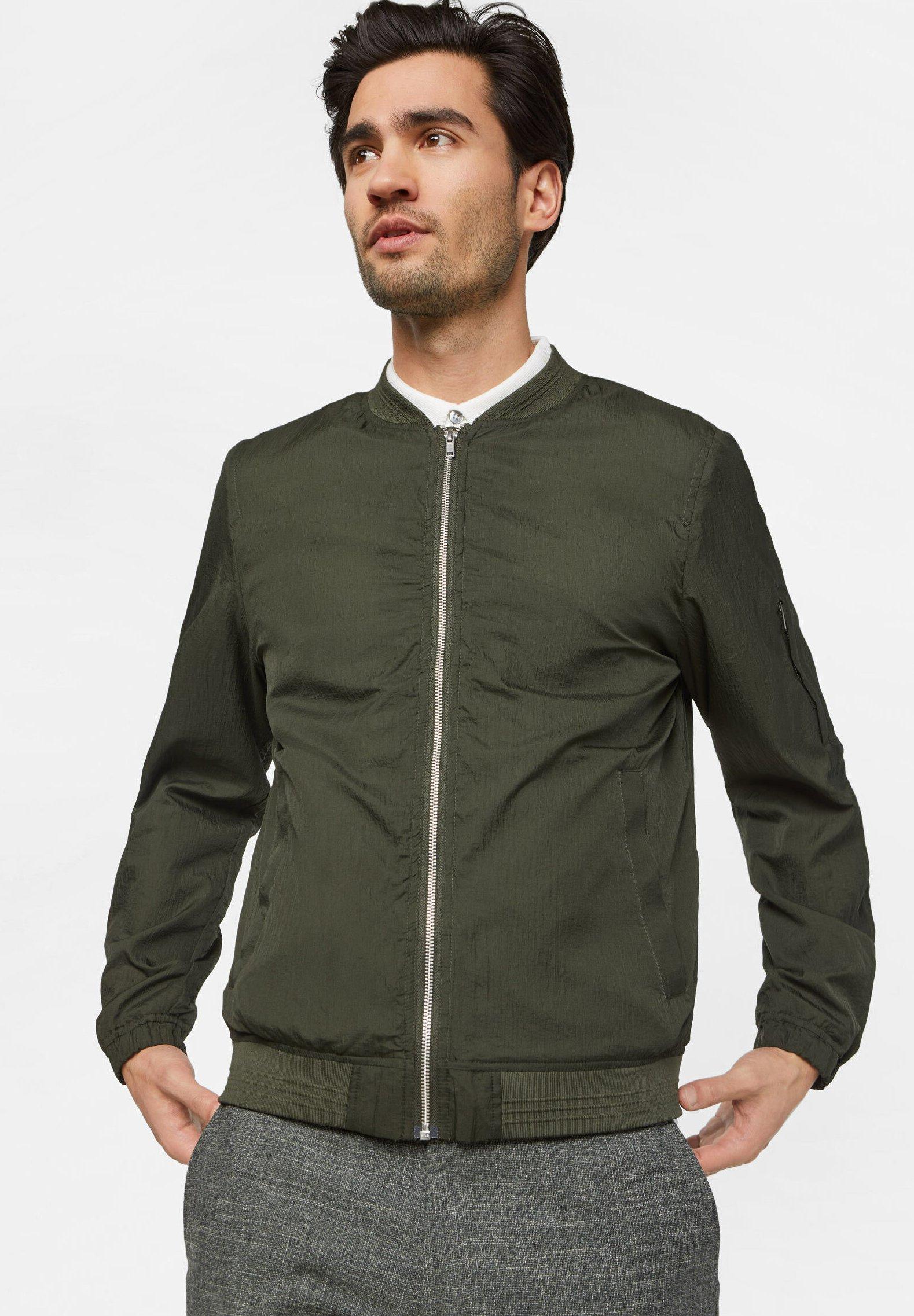 Boutique Vêtements homme WE Fashion WE FASHION HEREN LICHTGEWICHT BOMBERJACK Blouson Bomber army green 1XkSTnnA