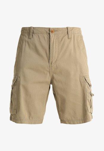 CRUCIALBATTLESH - Shorts - elmwood