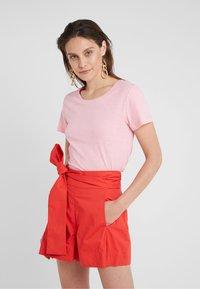 J.CREW - VINTAGE CREWNECK TEE - Basic T-shirt - dover pink - 0