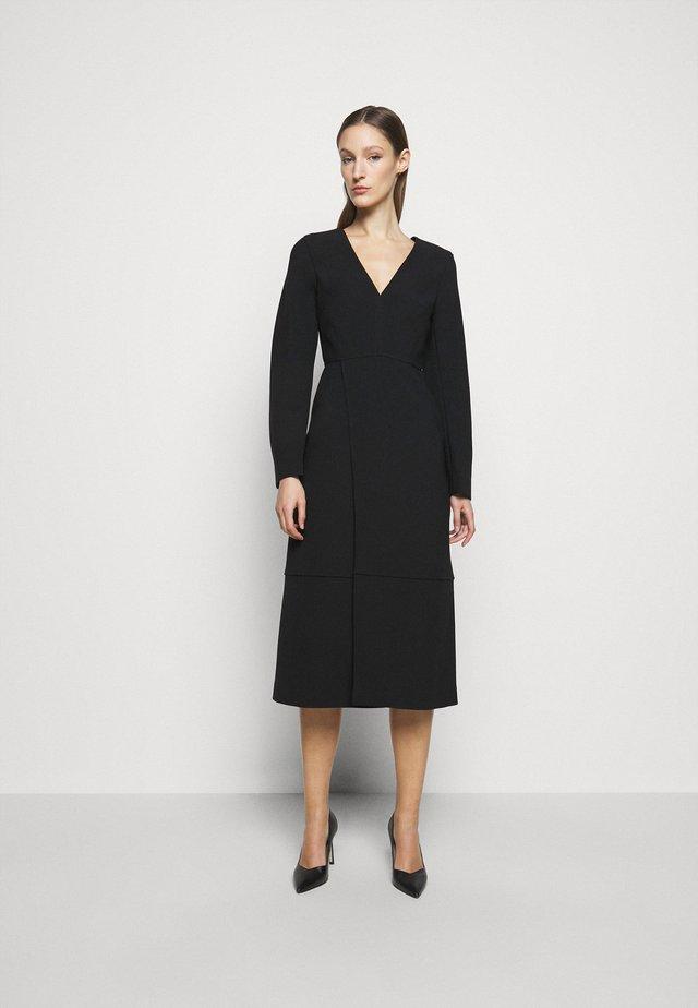 VNECK PINAFORE DRESS - Kjole - black