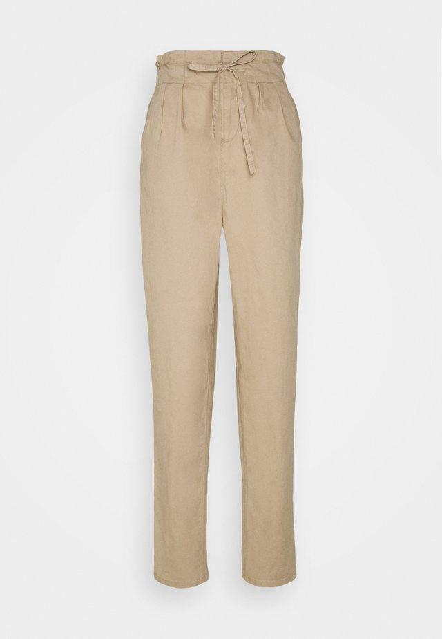 VMEVANY STRING ANKLE PANT - Pantaloni - beige
