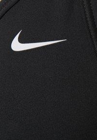 Nike Performance - INDY BRA V NECK - Sujetadores deportivos con sujeción ligera - black/white - 2