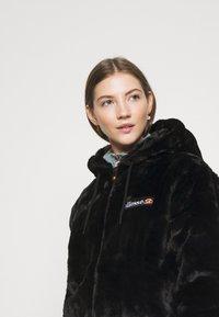 Ellesse - REIDI - Summer jacket - black - 4