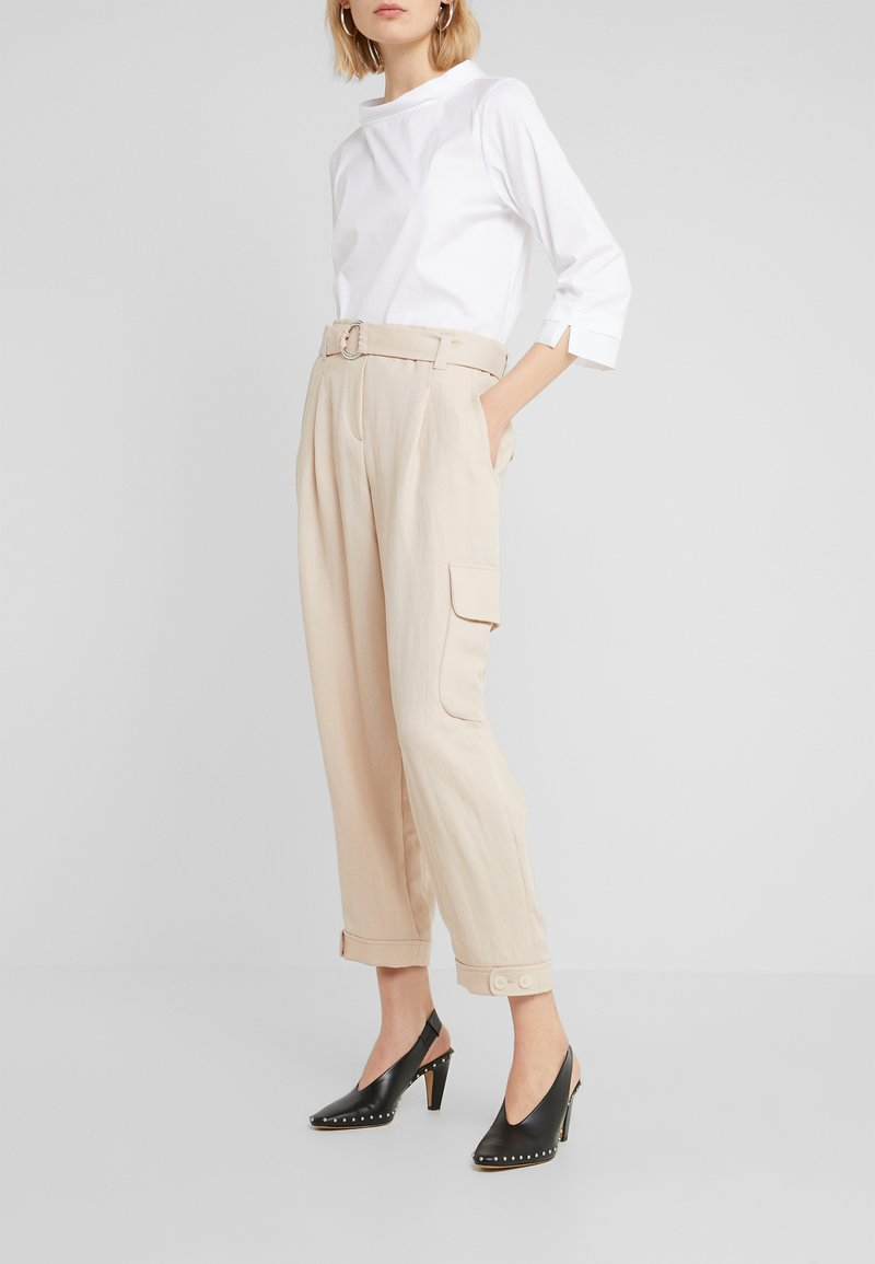 RIANI - WIDE FIT - Trousers - pale almond