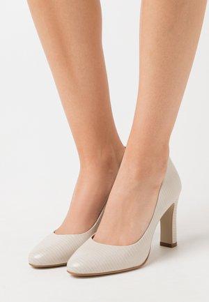 Zapatos altos - ecru