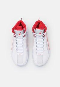 Jordan - AIR XXXV - Scarpe da basket - white/fire red/metallic silver - 3