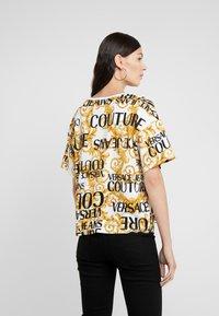 Versace Jeans Couture - Print T-shirt - bianco ottico - 2