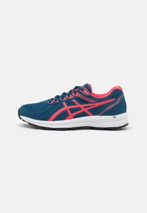 GEL BRAID - Neutrální běžecké boty - mako blue/diva pink