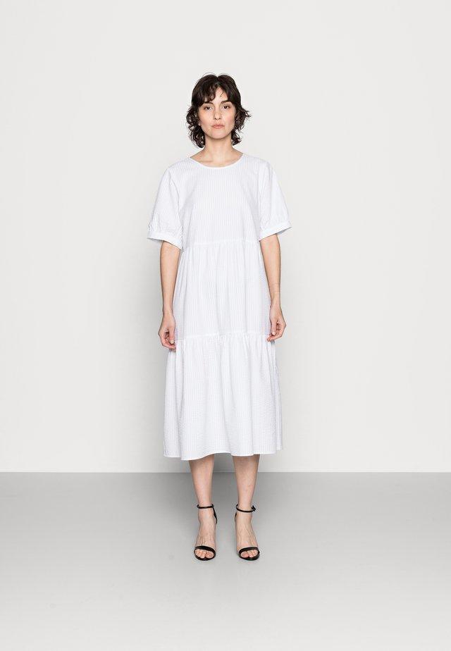 IANEPW - Day dress - bright white