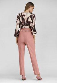 MADELEINE - Trousers - erikarosé - 2