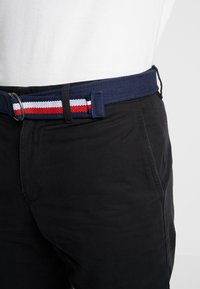 Tommy Hilfiger - BROOKLYN LIGHT BELT - Shorts - black - 4