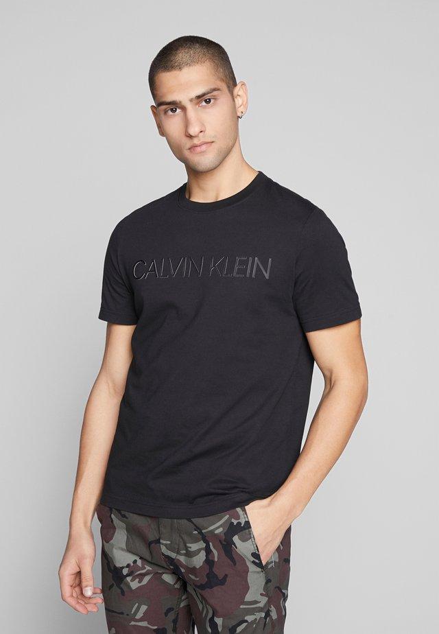 2 TONE LOGO - Camiseta estampada - black