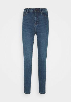 NMAGNES SKINNY SLIT - Jeans Skinny Fit - medium blue denim