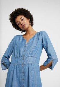 Cream - BALICE DRESS - Dongerikjole - blue denim - 3