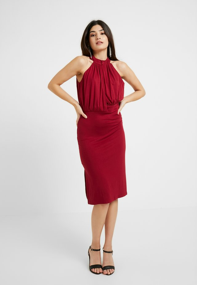 HALTER NECK PLUNGE DRESS - Juhlamekko - burgundy