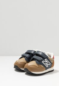 New Balance - IV520JB - Sneakers basse - brown/blue - 3