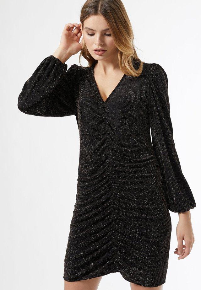 RUCHED - Korte jurk - black