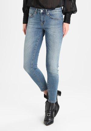 SFIDA CROPPED  - Jeans Skinny Fit - medium blue denim