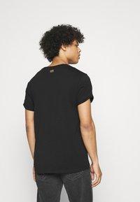 G-Star - EMBRO GRADIENT GRAPHIC LASH - Print T-shirt - black - 2