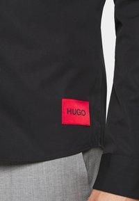 HUGO - Koszula biznesowa - black - 5