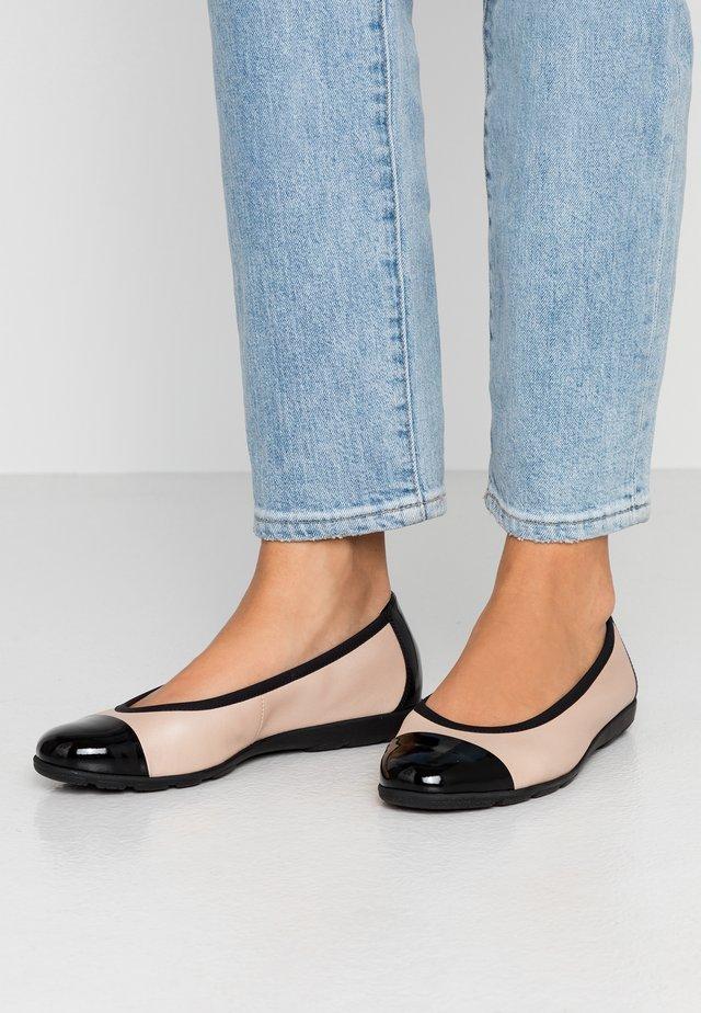 Ballet pumps - beige/black