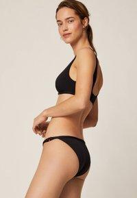 OYSHO - KLASSISCHER BIKINISLIP MIT BANDDETAILS 30734143 - Bikini bottoms - black - 3
