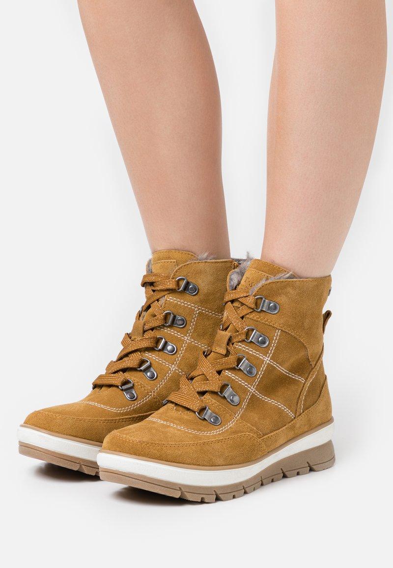 Jana - Winter boots - safron