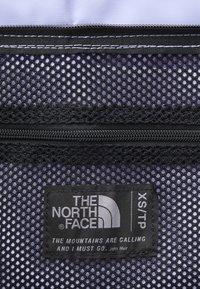 The North Face - BASE CAMP DUFFEL - XS - Torba sportowa - sweet lavender/black - 5