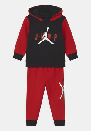 JUMPMAN SIDELINE SET UNISEX - Tracksuit - gym red