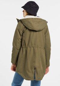 Volcom - WALK ON BY 5K PARKA - Winter coat - olive - 2