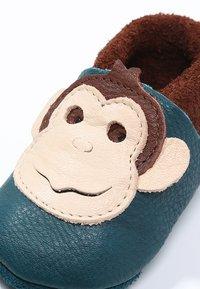 POLOLO - AFFE KING LUI - First shoes - coconut/karibik - 5