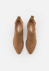 Pavement - GIANNA - Ankle boots - taupe/gold - 5
