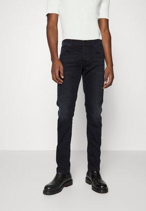 PANTALONE BRADY - Slim fit jeans - black