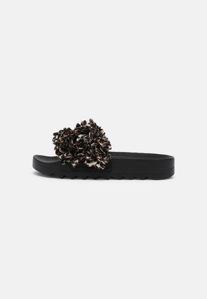 SLIDE FLOWER  - Pantofle - leo