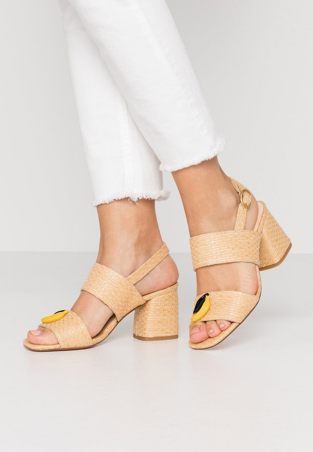 BELLE  - Sandaalit nilkkaremmillä - natural