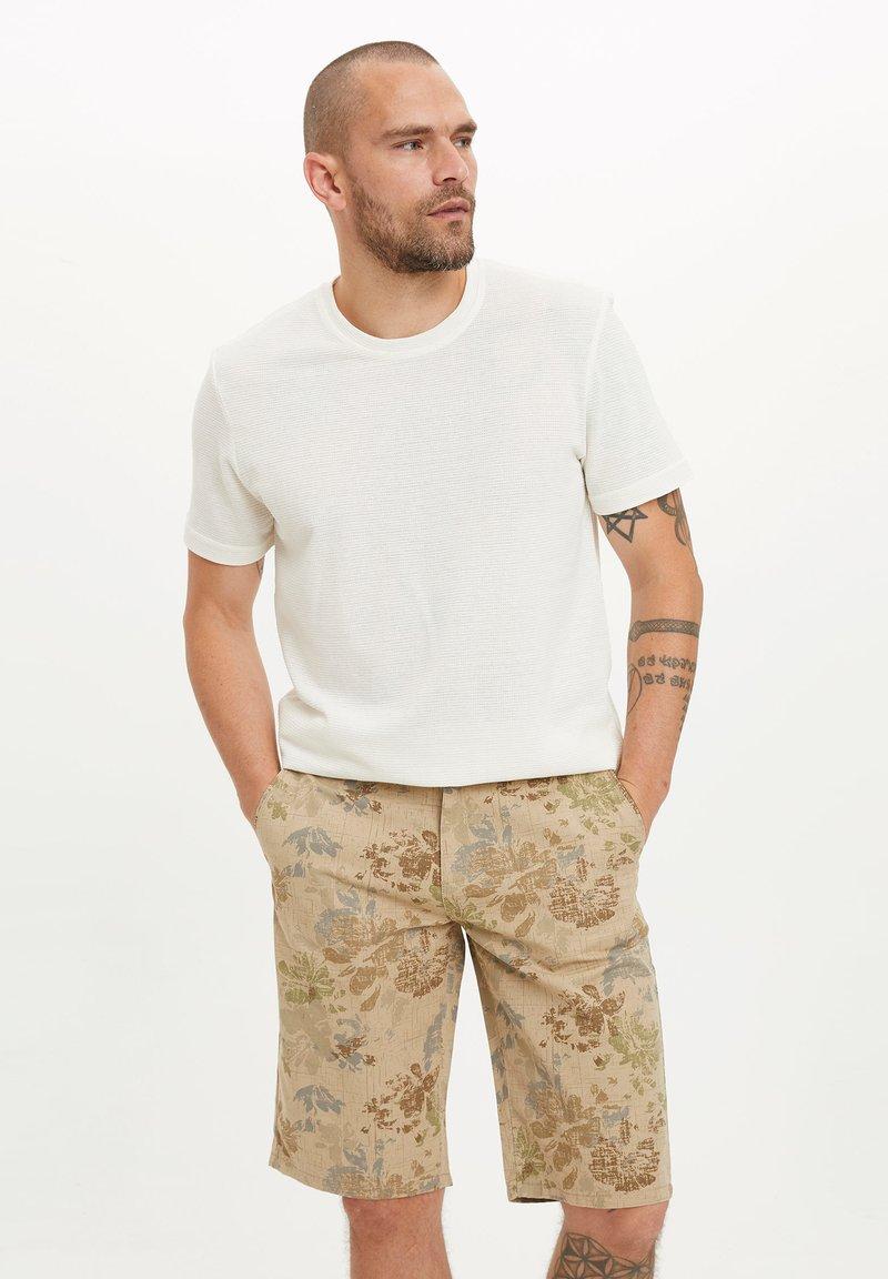 DeFacto - Basic T-shirt - beige