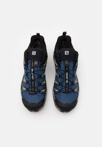 Salomon - X ULTRA 3 GTX - Hiking shoes - dark denim/copen blue/pale khaki - 3