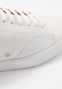 HUGO - Sneaker low - white - 5