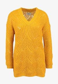 ONLY Petite - ONLHAVANA V NECK - Jumper - golden yellow - 3