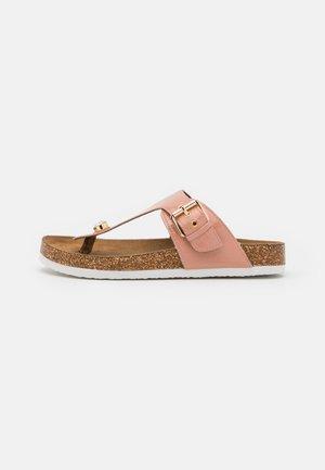 ONLMAXI TOE SPLIT - Sandály s odděleným palcem - nude