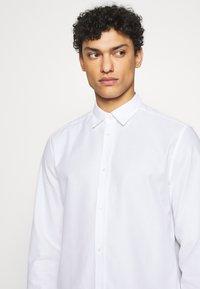 J.LINDEBERG - DANIEL AIRCEL - Formální košile - white - 5