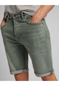 Lee - Denim shorts - khaki - 4
