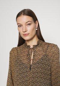 Second Female - PRADOTO DRESS - Denní šaty - bistre - 3