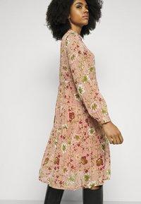Vero Moda Petite - VMCILLE DRESS  - Day dress - auburn - 3