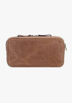 Wash bag - medium brown